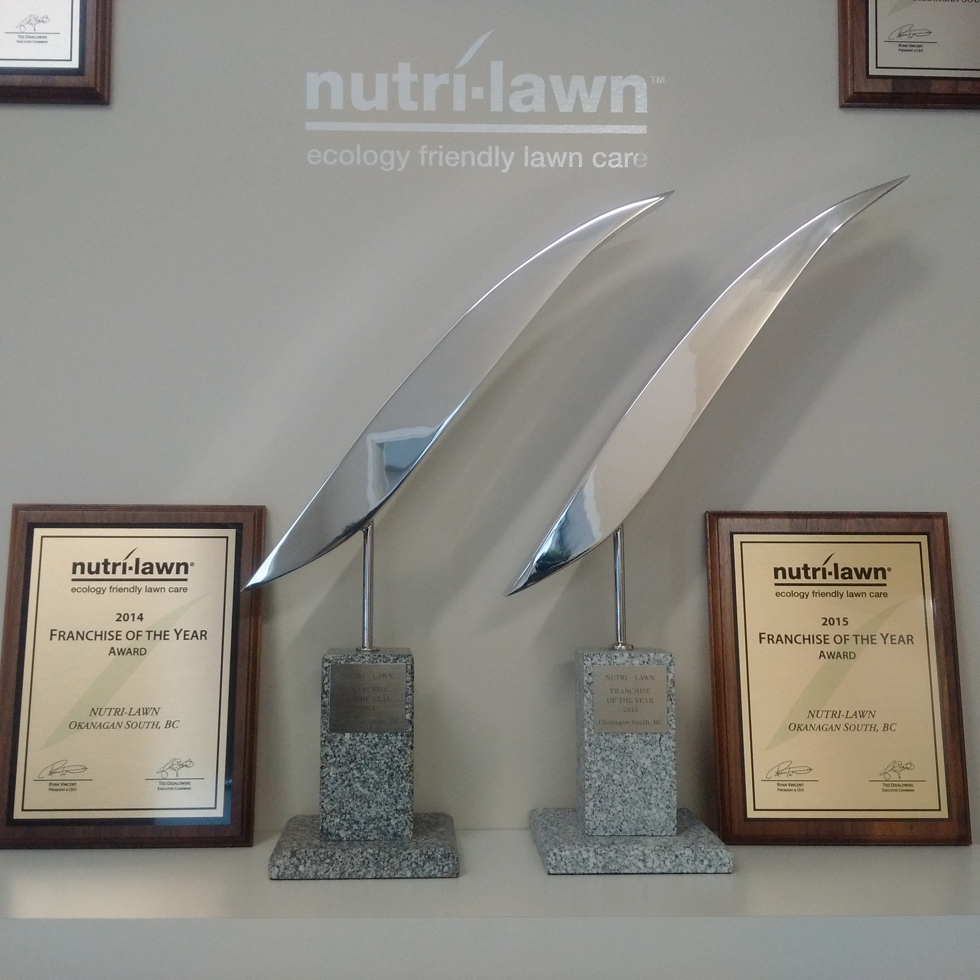 west-kelowna-nutrilawn-franchise-of-the-year-2014-2015.jpg
